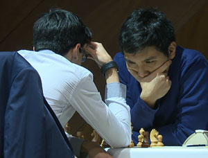 Anish Giri struggling against Wesley So. Photo ©