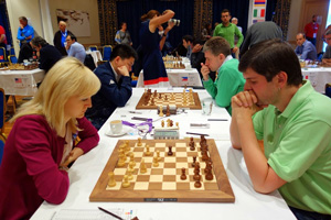 Anna Ushenina beat Peter Svidler. Photo ©